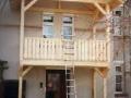 Vorgehängter Balkon mit Überdachung