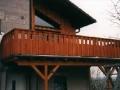 Balkon mit Boden-Deckel-Schalung als Geländer